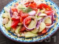 Салата с домати, краставици и гъби